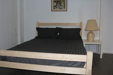 Comfortable and clean room - Oakville - Ház