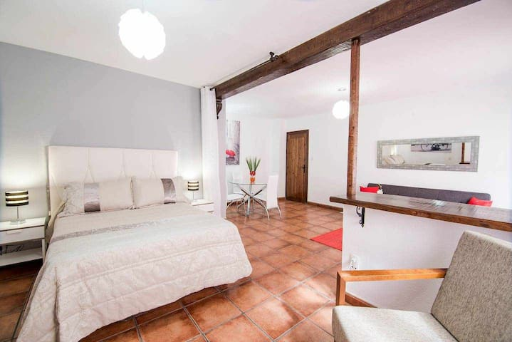 EnjoyGranada ❤ PAVANERAS - Unbeatable location