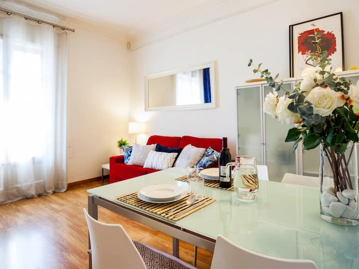 Great location in Eixample. Ideal monthly stays.