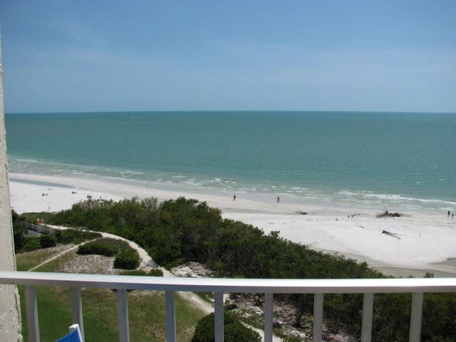 Water front condo with awesome view - Fort Myers Beach - Leilighet