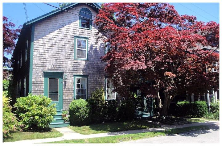 Historic Jamestown Home
