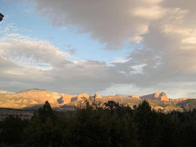 Kolob Views King Bed & Bath