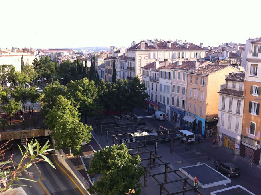 From your room, view on cours Julien, cultural center of the city. the subway station is just below