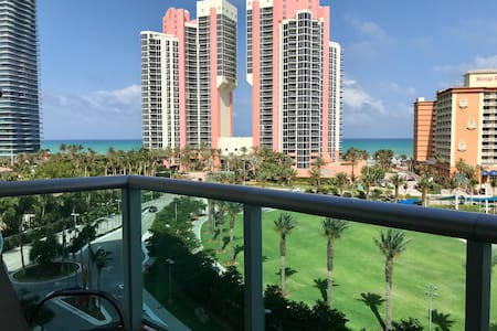 Condo with ocean view on Collins Av (STR - 00594)