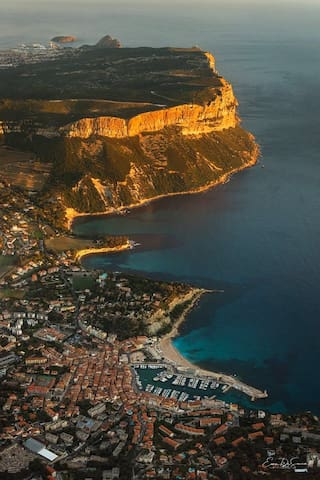 Guidebook for Cassis