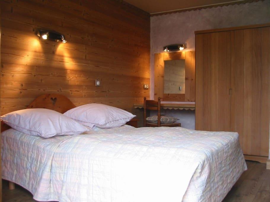 Chambre lit double 140x190