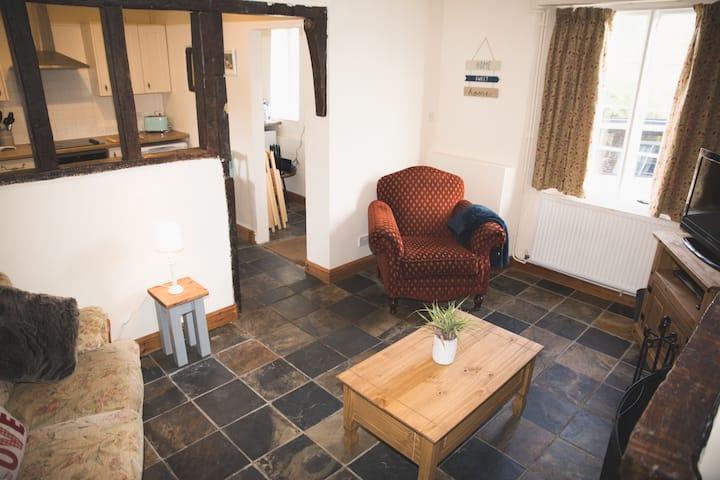 Cobbold Row Cottage - Beautiful & Peaceful Getaway
