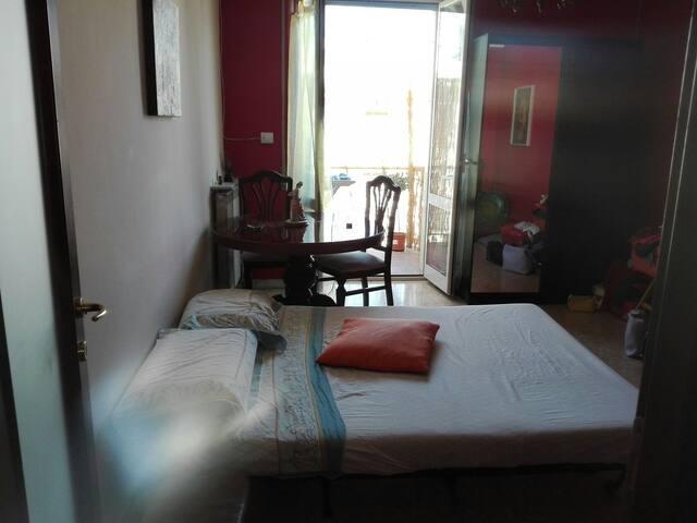 Salotto Living room, luminoso con  Divano letto.