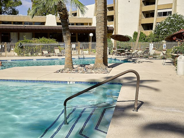 *2 to 5 condos together in Maya for Phoenix Open*
