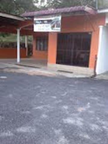 Rumah penginapan untuk di sewa - Kuala Berang