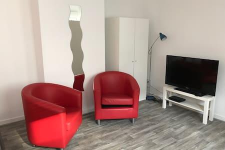 ruhiges großes 2-Zi-Appartement mit Küche+Bad - Hagen