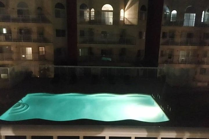 Private apartment on Strip with @ 2 rooms - Las Vegas - Apartment