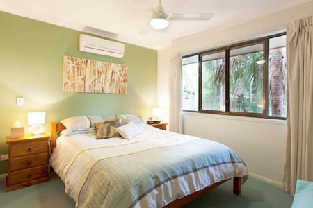 Cool & quiet, Caloundra Entire Unit - Cabin