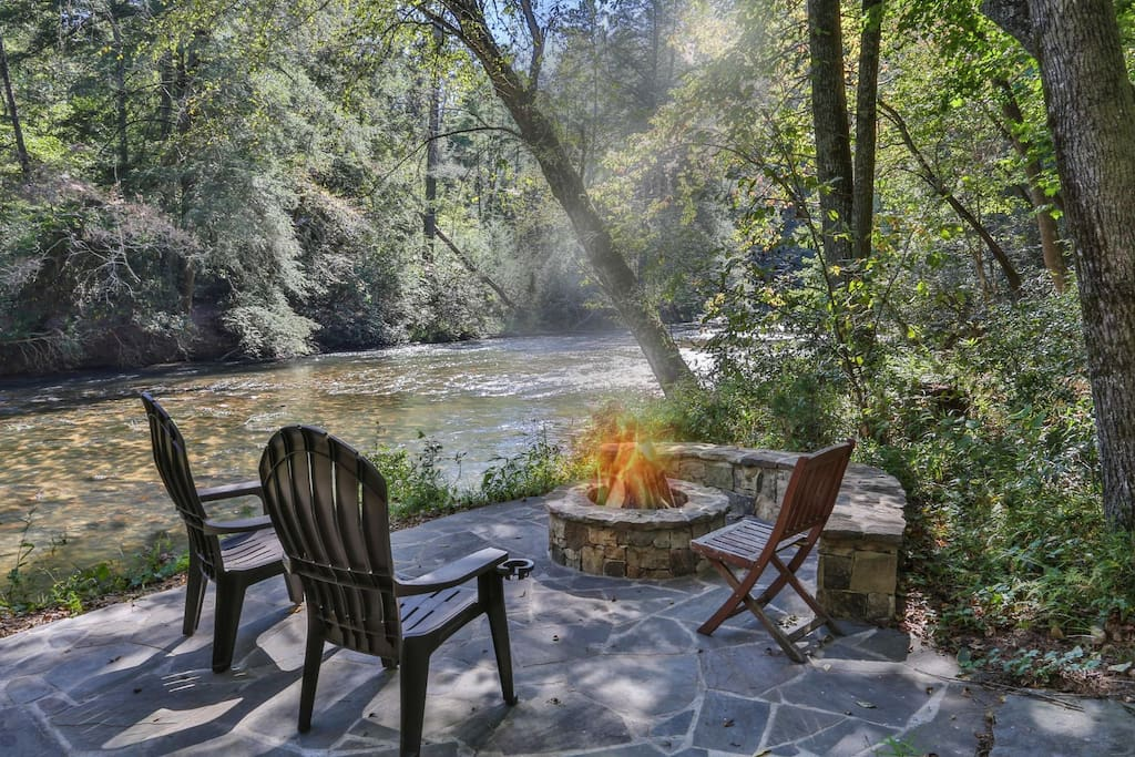 Relax by the fire pit on the beautiful Cartecay River