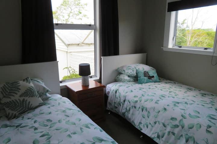 Prana Cottage - Piwakawaka (fantail) Room