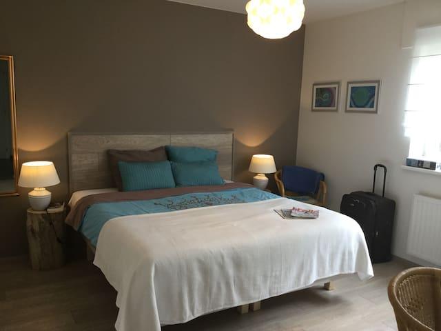 Zeer comfortabele gastenkamer - Hoogstraten - Rumah