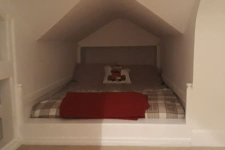 Exclusive use of 2 bedroom attic with own bathroom