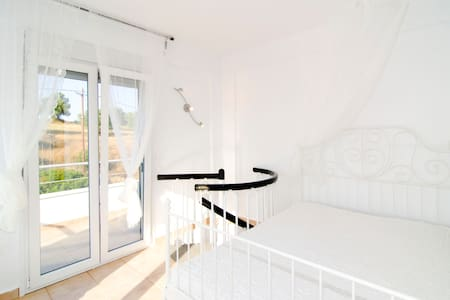 Brand new maisonette near Sani - Huis