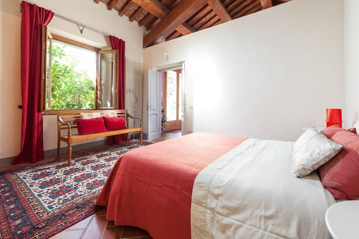 Private rooms in the countryside - Cascina - House