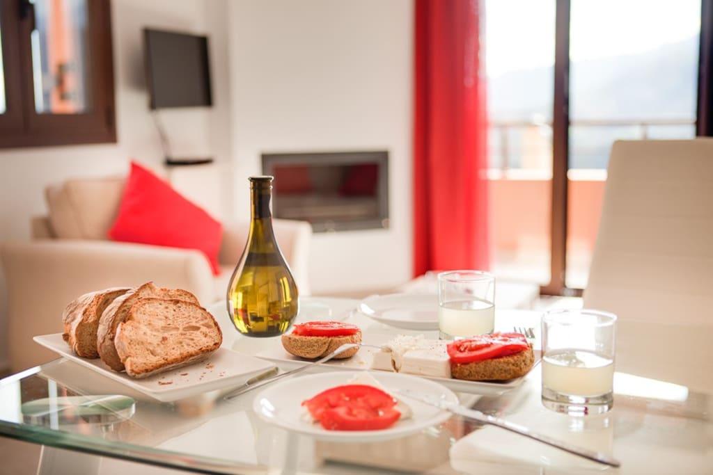 Enjoy genuine Cretan flavours