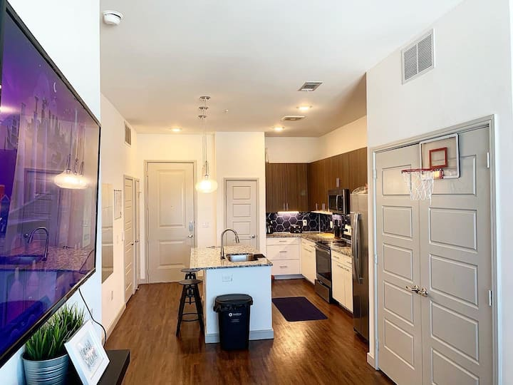 Private Office & Luxury Living