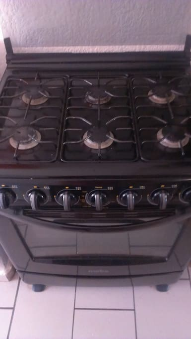 6 burner gas stove and oven - a dream to cook with!