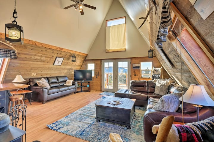 Cabin w/ 360° Mountain Views & 30 Miles to Breck!