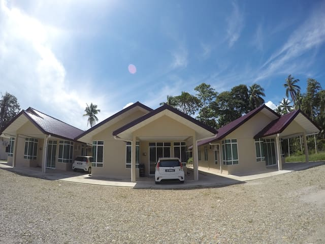 Cozy & Comfortable Home Stay 3R+3BR with Air-Cond.