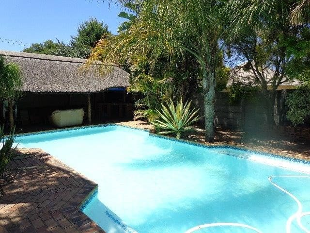 Holiday 3 bed House Bellville/Capetown + pool/lapa - Cape Town - House