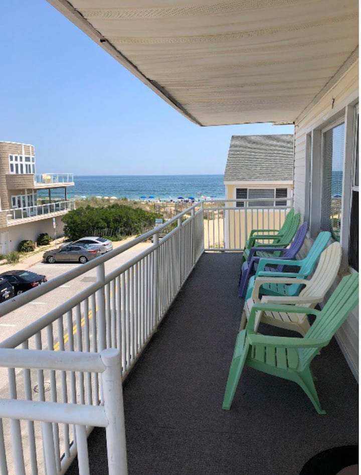 Sandy Toes, Ocean views, 2nd floor