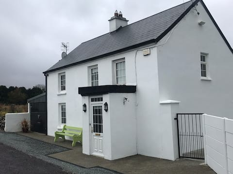 Hollymount Country House, Rathmore
