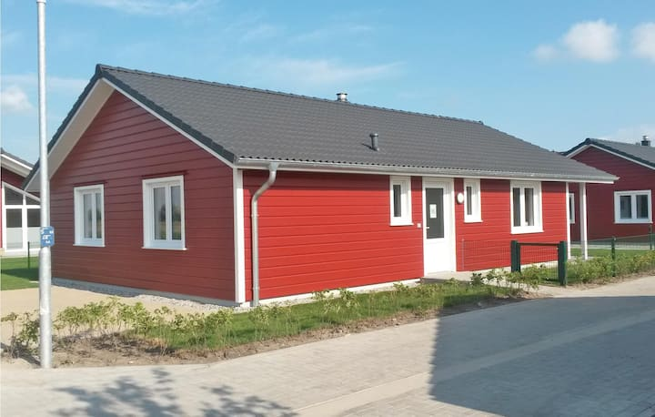 Holiday cottage with 2 bedrooms on 80m² in Dagebüll