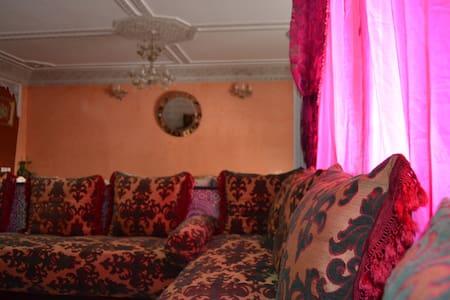 Fes, Luxury Apartment Av. Med V