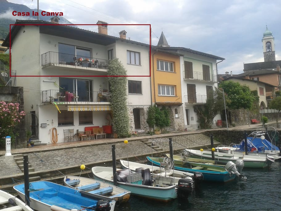 Casa la canva terrazza sul lago apartments for rent in for Casa lago apartments
