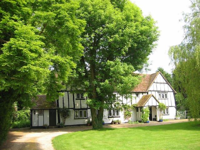 Gostelow House, a C16 Tudor House