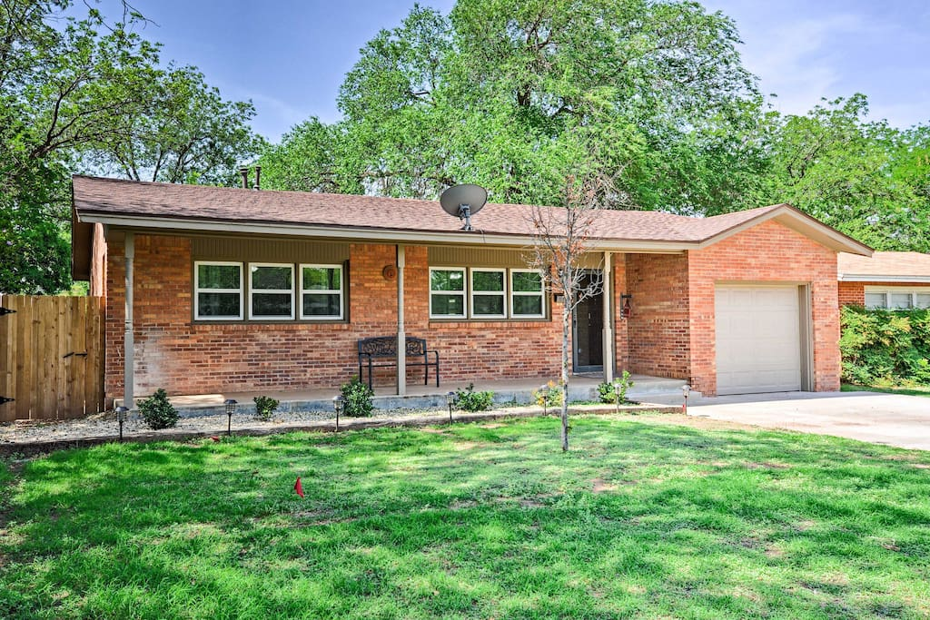 The home also features an ideal location just minutes from Texas Tech University!