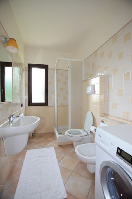 Casa vacanze sa domu app tipol 2 apartments for rent in for Bagno h24