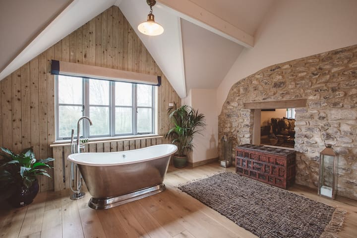 The Barn | A Romantic Hideaway in East Devon