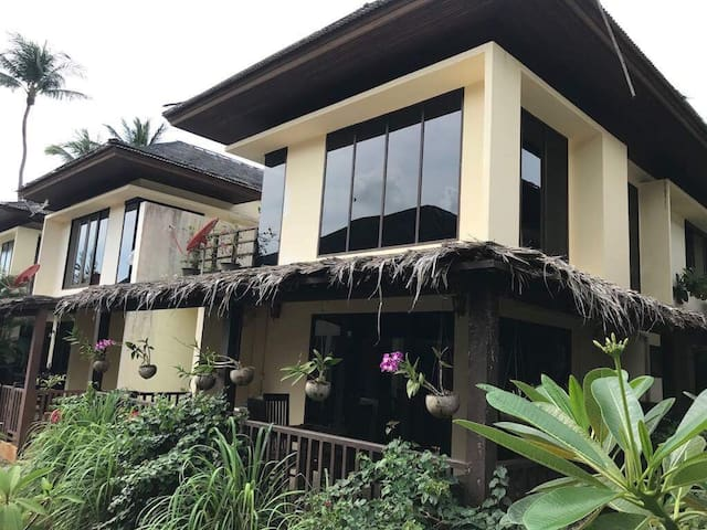 2 Bedroom Villa with Beach Access - Ko Samui - House