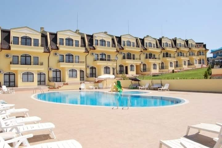 Beautiful Apartment located on a 5 Star Resort, Close to Sunny Beach - Sunny Beach Apartment 1001