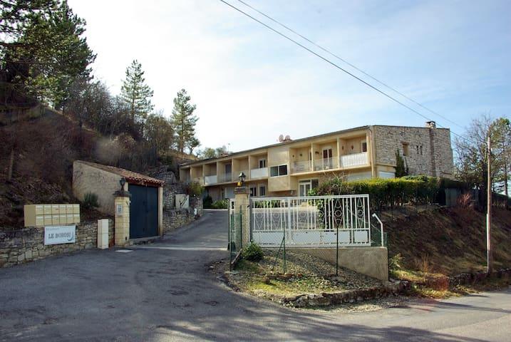 Joli studio au calme dans résidence sécurisée - Valensole - Condominium