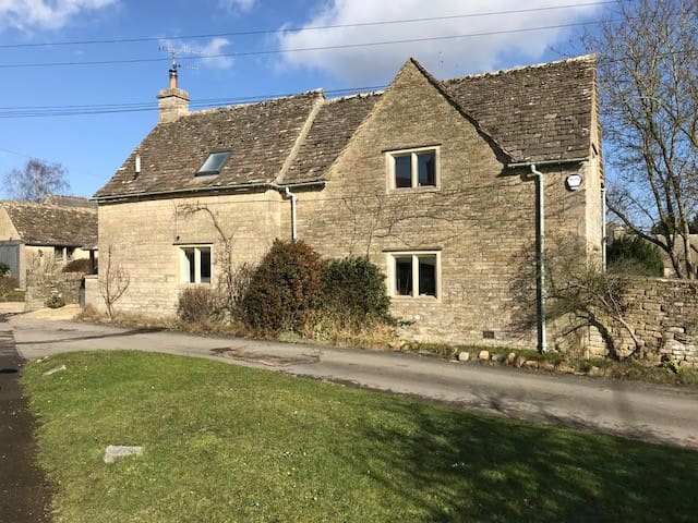 Witts Cottage, Grade II listed, Bibury, Cotswolds