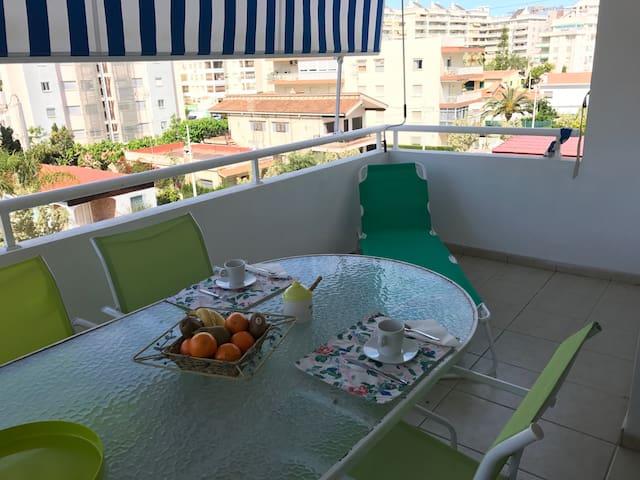 Apartamento nuevo en tercera línea de playa