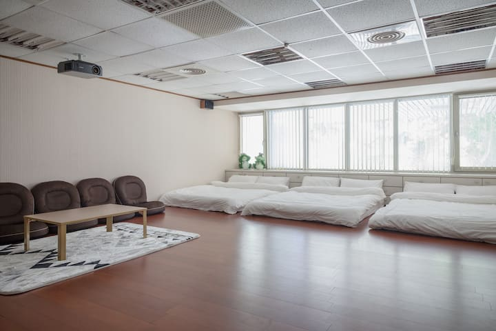 One room Multi-function room  near Linkou Outlet