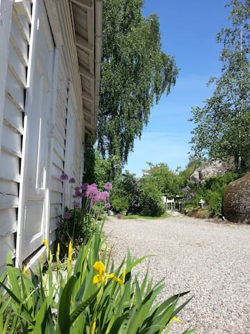 Cozy guesthouse with free parking - Røyken