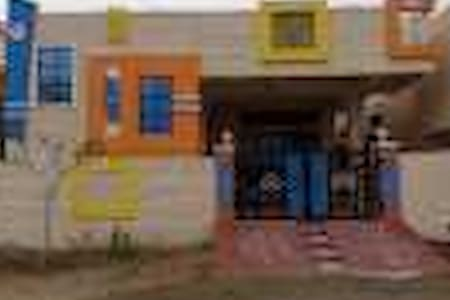Single room in a gated community - Hyderabad - House