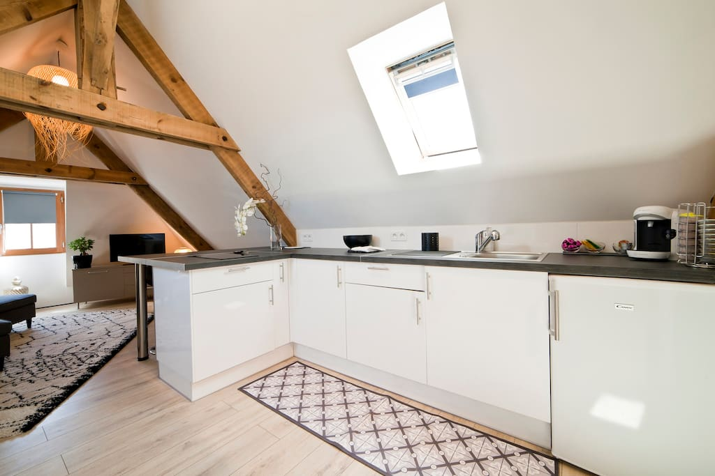 adorable petit loft clim a pied a la cite lofts louer sarlat la can da aquitaine limousin. Black Bedroom Furniture Sets. Home Design Ideas