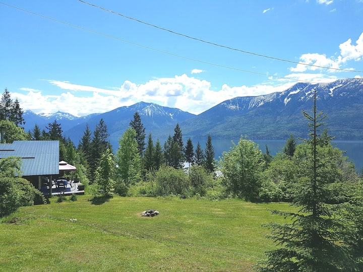 Lakeview, lake access,trails, canoe, snowshoes!