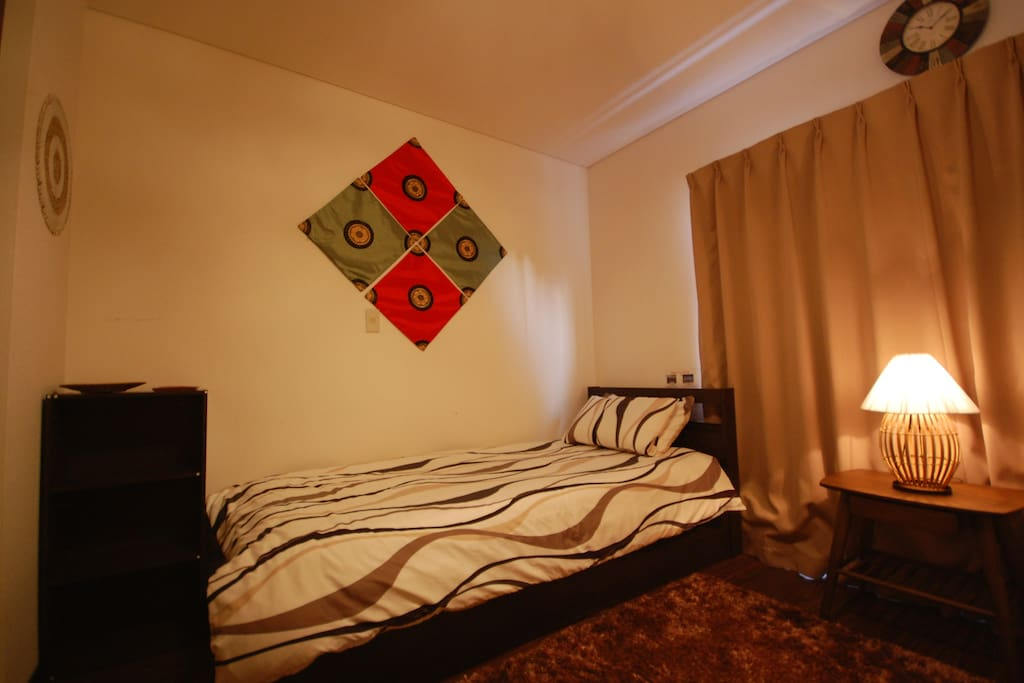Bedroom with two beds (private room)