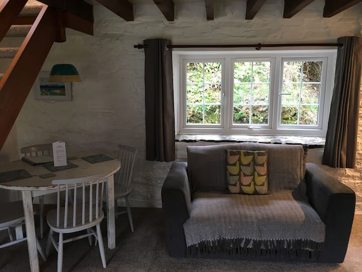 Lovely cottage in the woods  - Huel Cottage